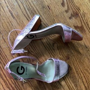 Metallic pink guess heels